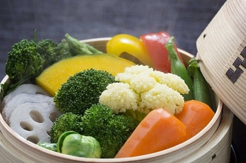 Trái cây và rau: cà rốt, dưa chuột, bí, ...