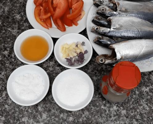 cá bạc má sốt cà chua