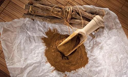 Cách chữa hắc lào bằng bột cam thảo