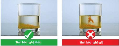 Cách nhận biết tinh bột nghệ thật bằng nước sôi để nguội