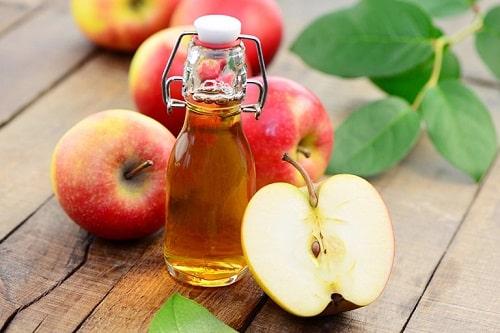 Cách trị hắc lào nhanh nhất bằng giấm táo
