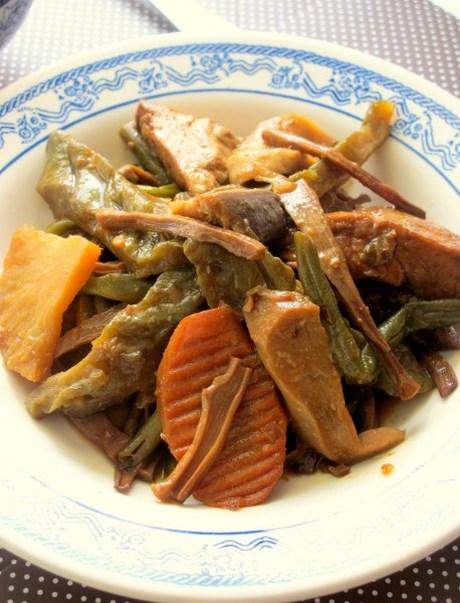 Cách làm món măng khô xào thịt cho ngày tết