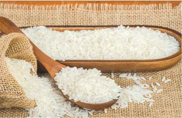 Cách bảo quản gạo nếp đúng cách cho bà nội trợ gia đình cần biết