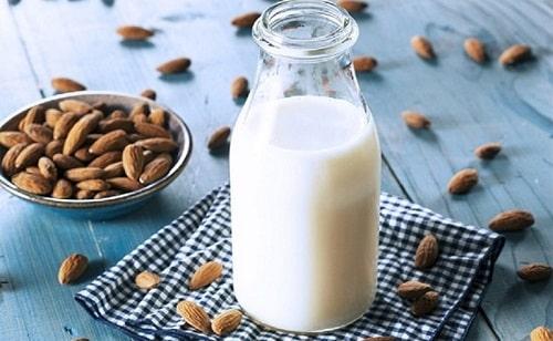 cách làm sữa hạnh nhân cho bé